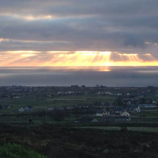 cropped-mournemountains-sunrise.jpg